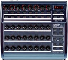 Звуковой контроллер Behringer BCR 2000
